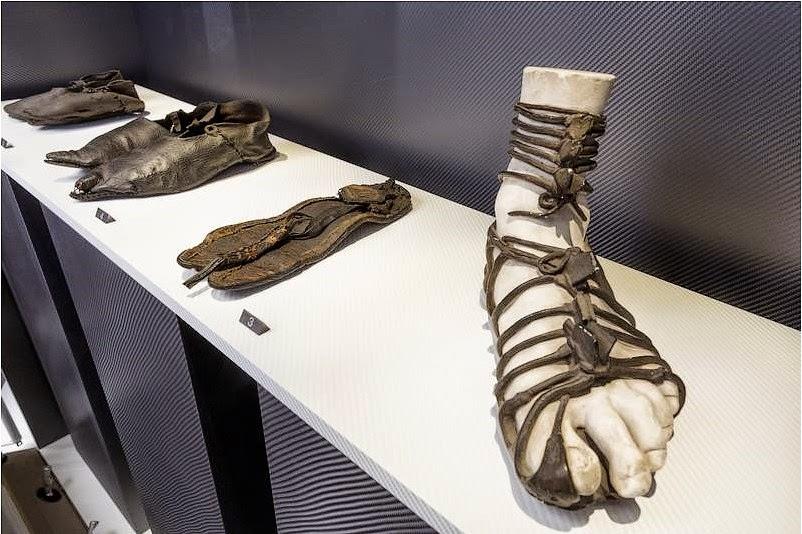 3 Faisait Ans Histoire Le Des Chaussures Ça Dans Monde 000 U0fHnYf