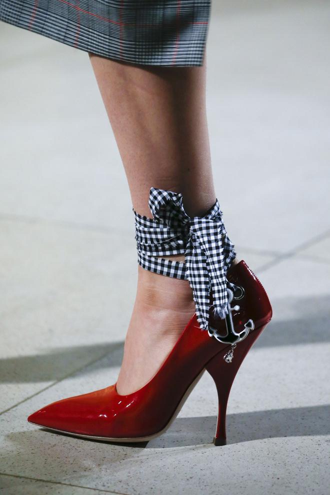 escarpin vu au défilé de mode
