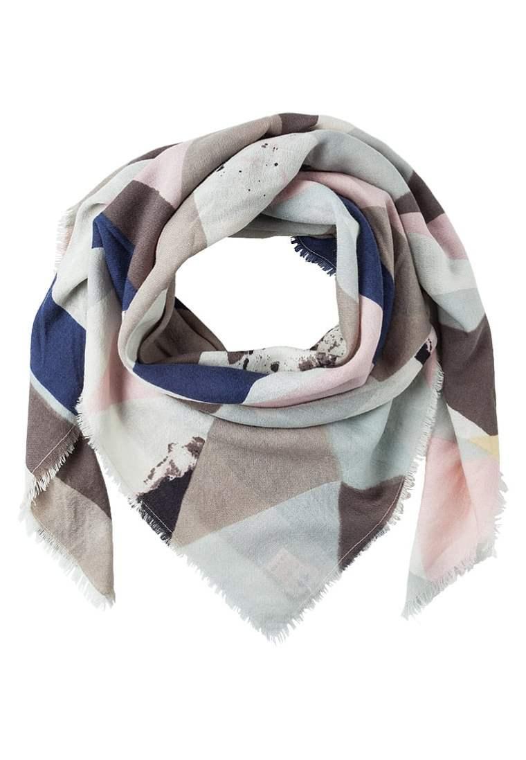 image écharpe pour dame âgée