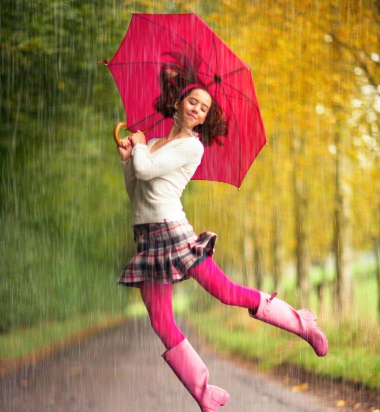 joyeuse-et-stylee-sous-la-pluie-sur-cosmopolitan