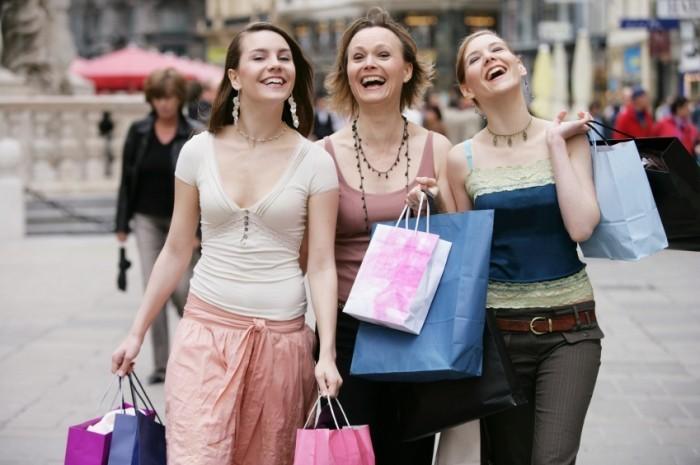 shopping-entre-copines-pour-un-evjf-sur-mariages-net
