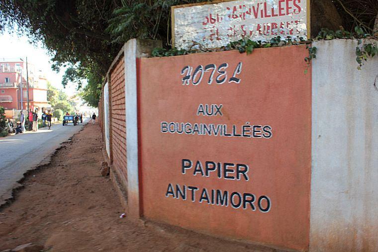 hotel-les-bougainvillees-a-ambalavao-2