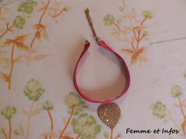 diy-ras-de-cou-assorti-robe-rouge-1