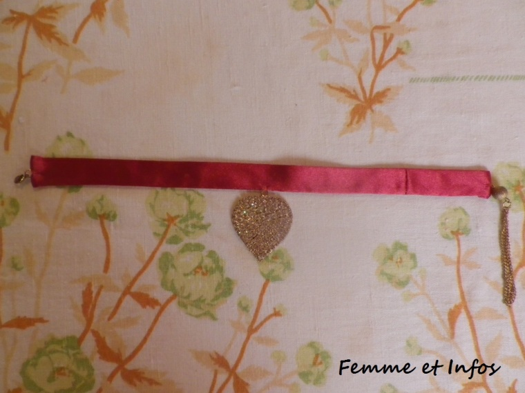 diy-ras-de-cou-assorti-robe-rouge