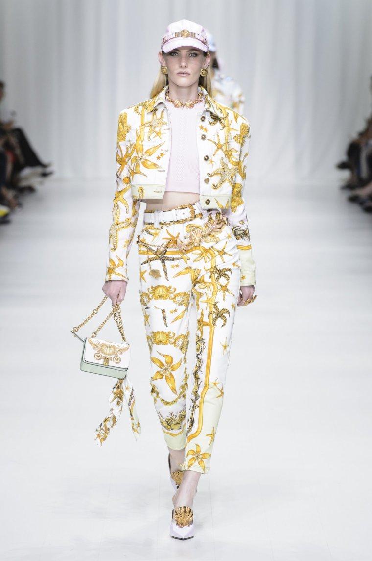 Esprit foulard Versace 1