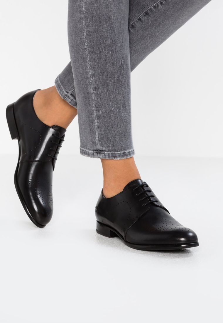 derbies noires look glamour chic