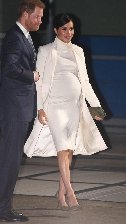 tenue de grossesse de meghan markle
