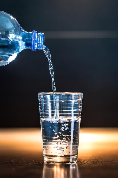eau minérale_régime alimentaire femme enceinte